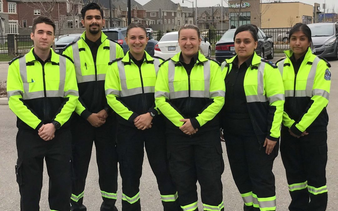 Pros & Cons of Becoming a Paramedic